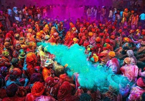 НЕ НАДО ПАЧКАТЬСЯ! Интересные факты о «празднике красок холи»